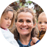foto van helppie Dominique met haar 2 jonge kinderen